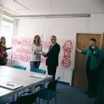Wir sind keine AbschiebehelferInnen - Unterschriftenübergabe im Sozialministerium Bayern - Mai 2017